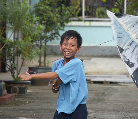 Julien thomas, I believe we can Fly !, cerf-volant, projet éco-ludique, recyclage plastiques