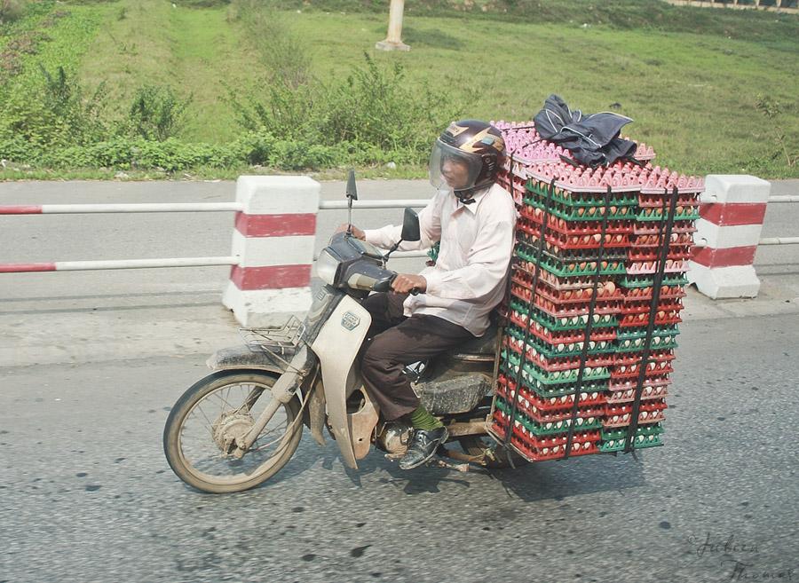 utilisation d'une moto au vietnam