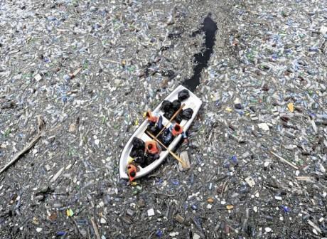 Bateau-mer-plastique