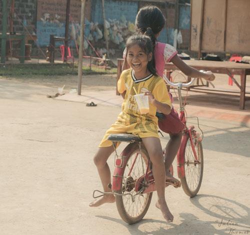 NGO via Del Campo enfant vélo