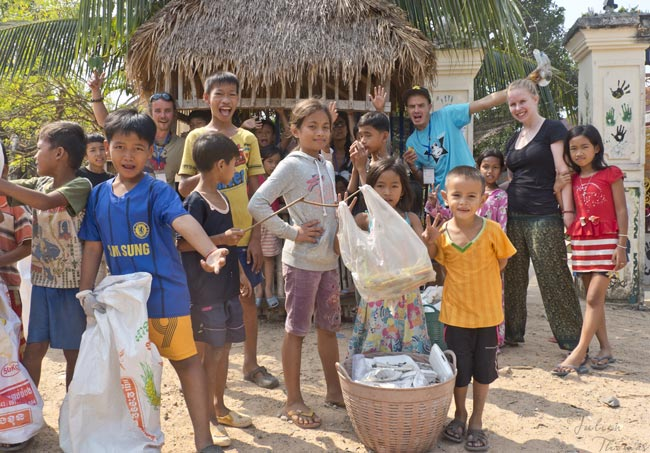 Recycling-plastic-waste-Cambodia