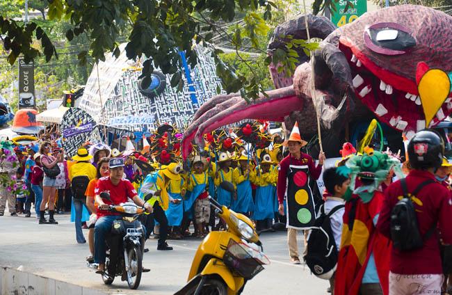 Carnaval, déchets plastiques, Sihanoukville